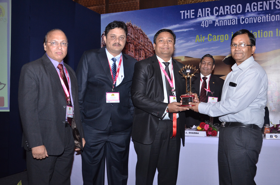 GVK CSIA Cargo team wins 'Best Airport' and Best Cargo Airport (runner up) at ACAAI