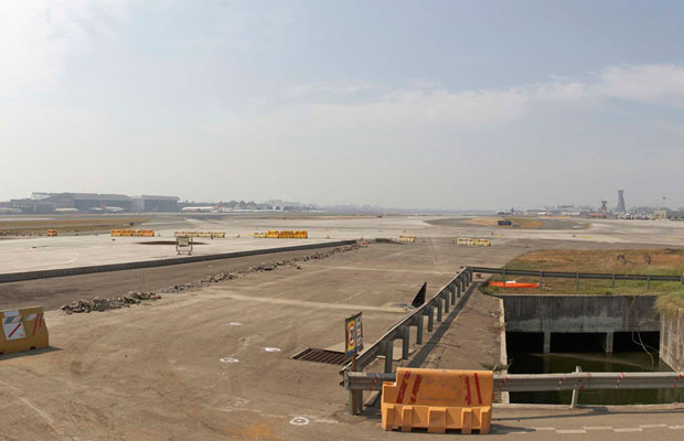 Runway being constructed at GVK CSIA